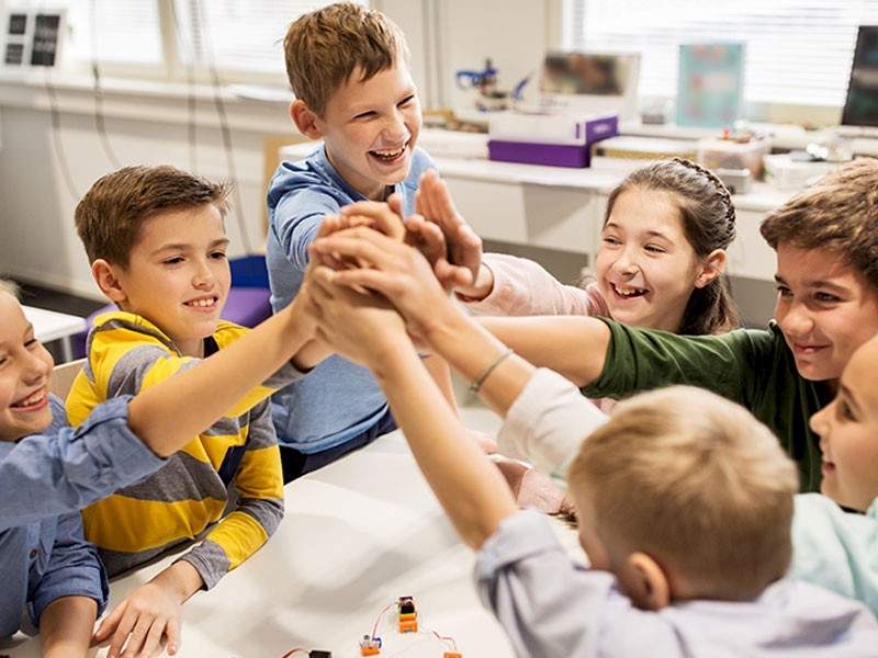 Kids Group Therapy in School